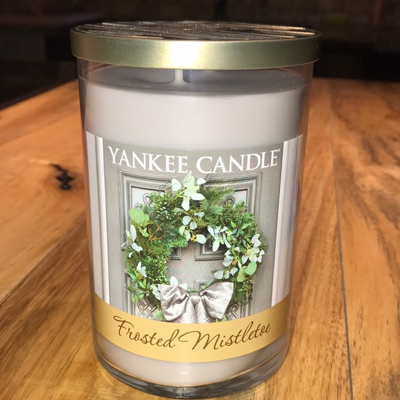 NEW, YANKEE CANDLE LARGE,  FROSTED MISTLETOE SCENT